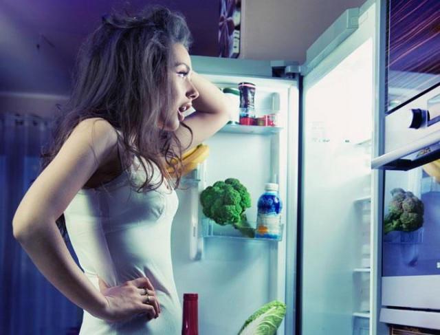 Диетологи  назвали продукты, которые можно есть на ночь