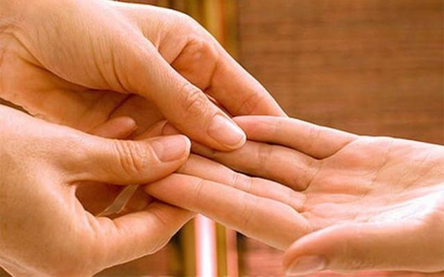 Массажисты советуют массировать кисти рук каждый день