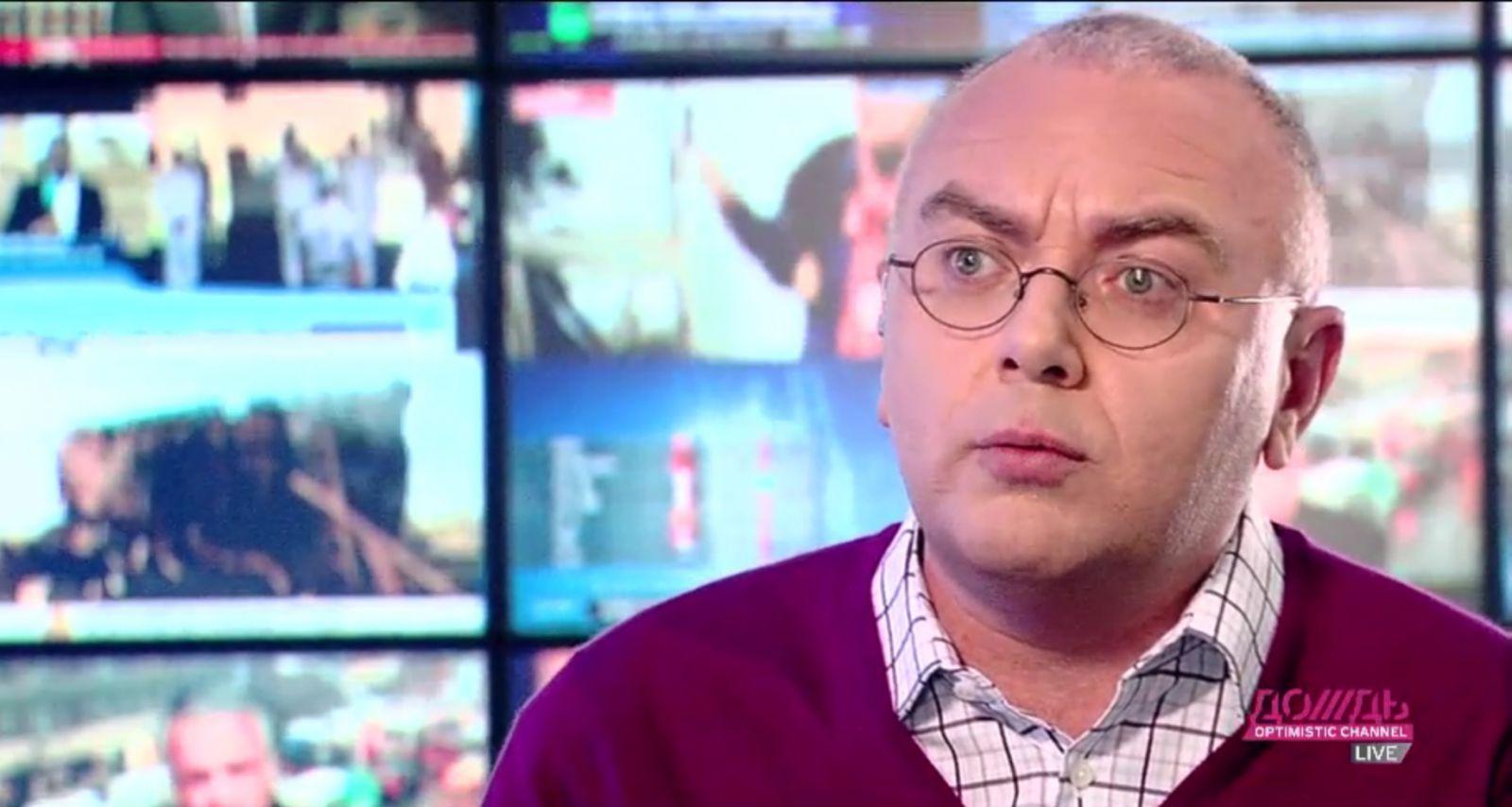 Ведущий «Дождя» Павел Лобков рассказал в эфире о своей ВИЧ-инфекции