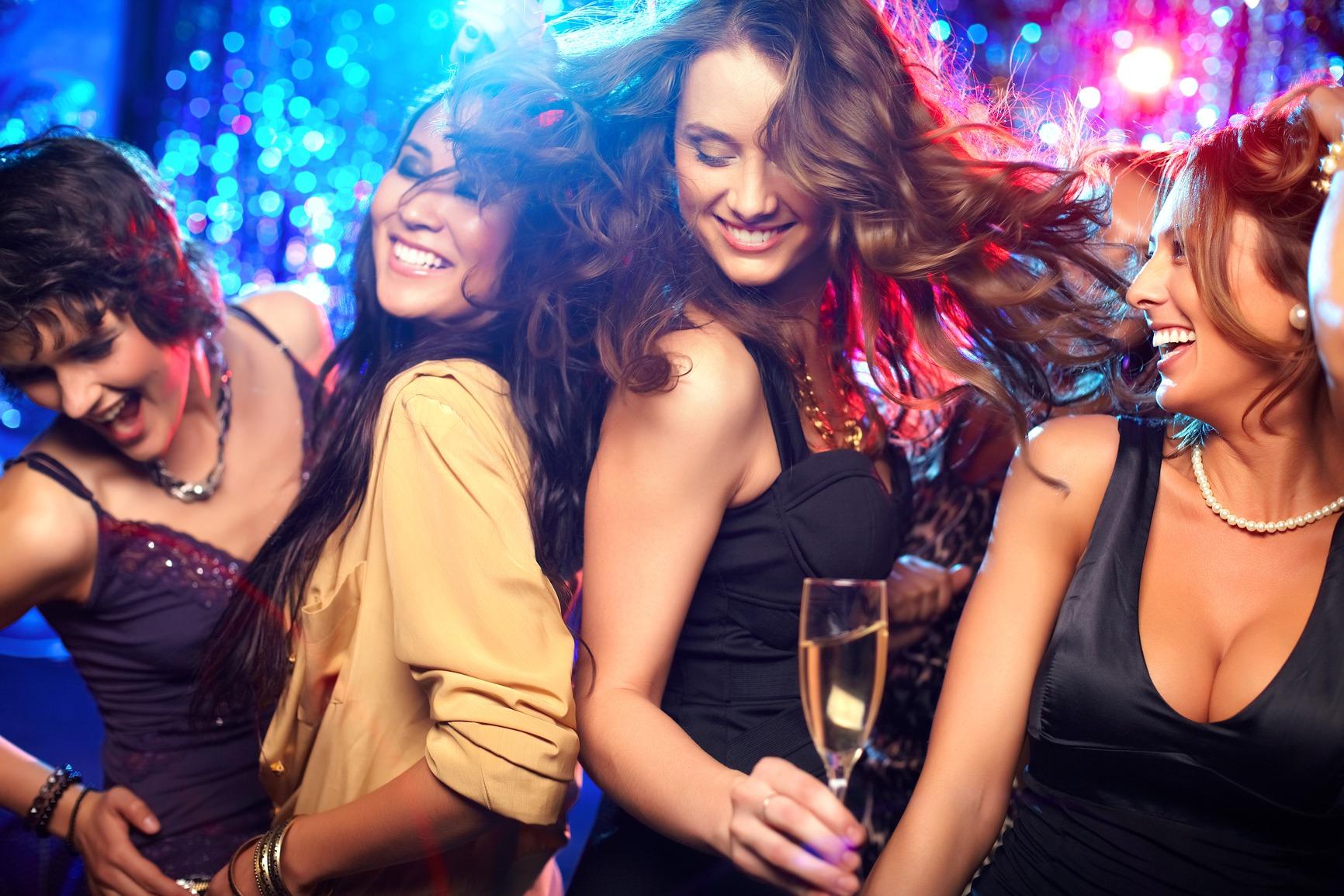 Алкоголь делает человека привлекательнее, считают ученые