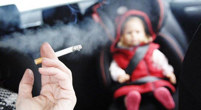 Как курящие родители портят здоровье своим детям