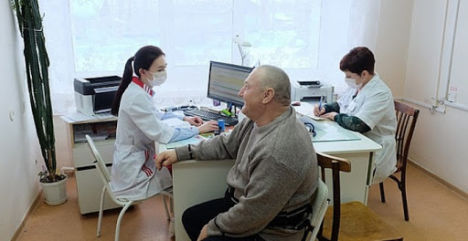 Снижение смертности: в Саратовской области на помощь врачам районных больниц придут специалисты областных многопрофильных клиник